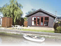 Brundall cottage & lodges